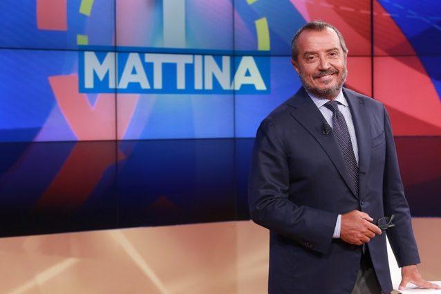 Franco di Mare è tornato a 'UnoMattina', ha avuto un'ernia al disco che l'ha costretto a casa