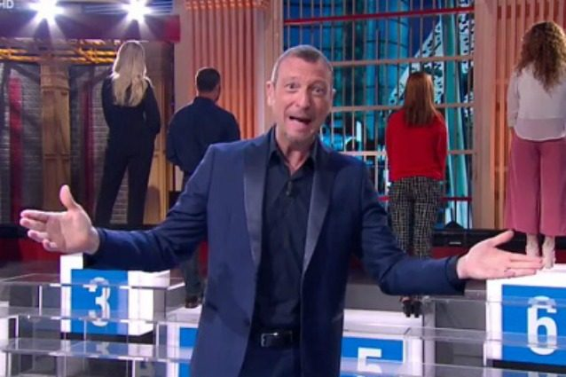 Errore ai 'Soliti ignoti': in onda l'anteprima di una puntata già trasmessa, Fabiano si scusa