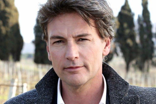 Anticipazioni 'Le tre rose di Eva 4', sesta puntata del 7 dicembre: Alessandro Monforte viene arrestato