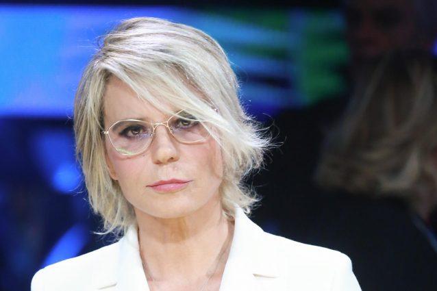 Virginia Raggi asseconda Maria De Filippi: i ragazzi di Amici puliranno Roma