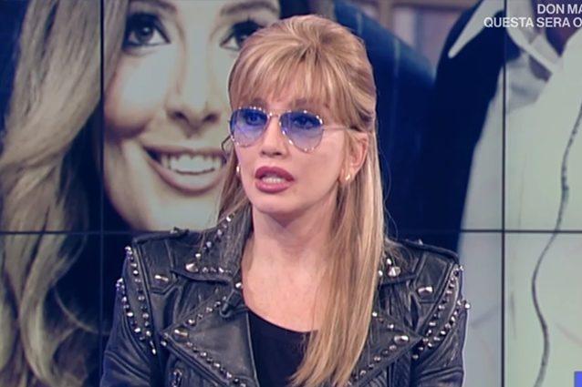 Milly Carlucci scopre in diretta tv la morte di Bibi Ballandi
