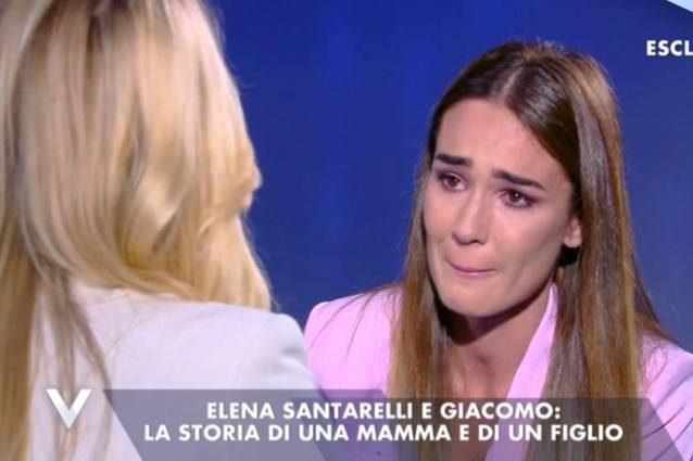 Silvia Toffanin commossa di fronte all'amica Elena Santarelli straordinaria mamma coraggio