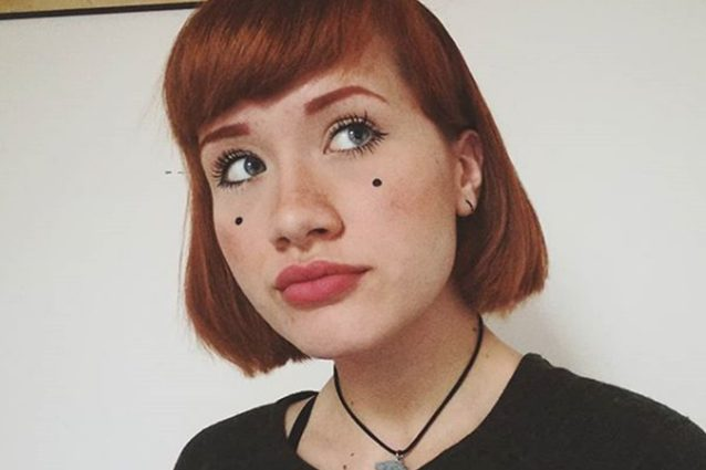 Il significato dei puntini sul volto di tish la cantante for Foto di zig e sharko
