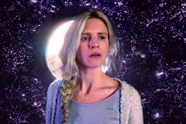 'The OA', Netflix cancella la serie: la terza stagione non si farà