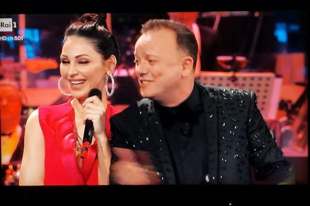 Gigi D'Alessio e Anna Tatangelo di nuovo insieme sul palco a
