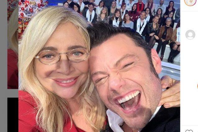 """""""Gay in Tv sì, ma non a Natale"""", Mara Venier risponde a una"""