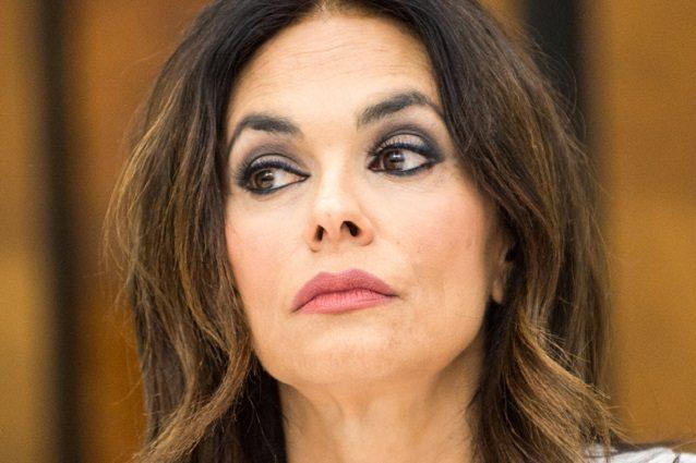 """Maria Grazia Cucinotta è con Amadeus: """"A casa sto un passo i"""