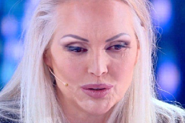 """Anna Oxa contro la Rai: """"Sono sulla lista nera, non mi vogli"""