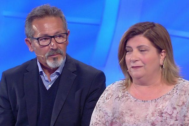 La Storia Di Vincenzo E Raffaella A C E Posta Per Te Colpisce La Rete Meglio Senza Padre