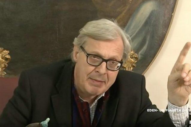 Vittorio Sgarbi ha chiesto scusa a Barbara D'Urso, domenica