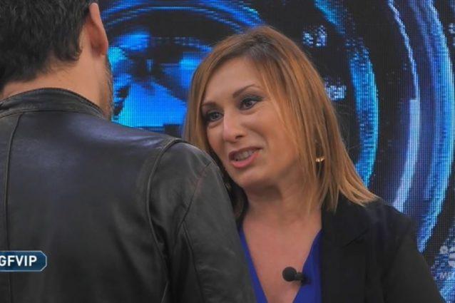 """GF Vip, Nunzia la sorella di Pago entra in casa: """"Siamo orgo"""