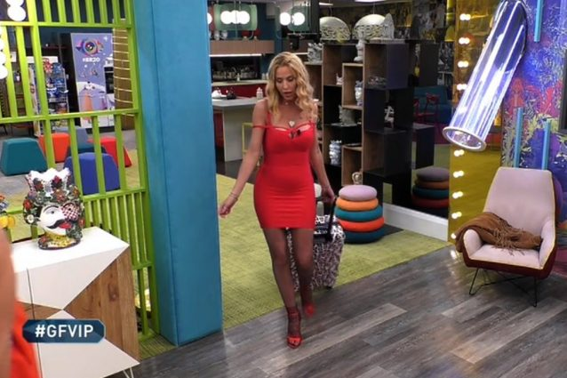 Grande Fratello Vip 2020, Valeria Marini entra nella casa co