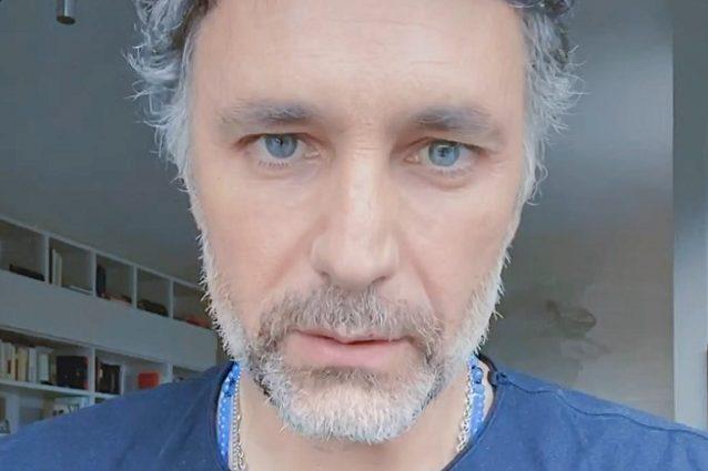 """Raoul Bova: """"Farò una serie tv sui volontari di Croce Rossa"""