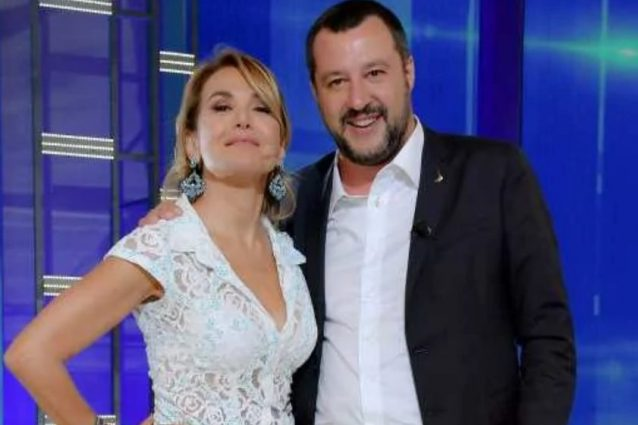 """""""Cancellare i programmi di Barbara d'Urso"""", esplode raccolta"""