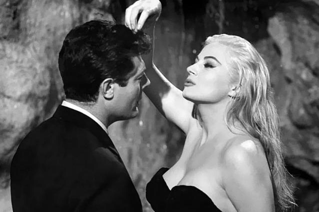 """È morta Anita Ekberg, musa di Fellini e simbolo de """"La dolce vita"""""""