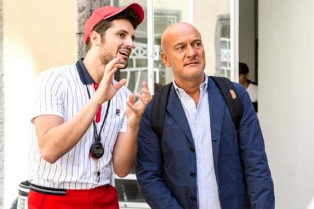 """""""Ma che bella sorpresa"""": Claudio Bisio, Frank Matano e una donna invisibile"""