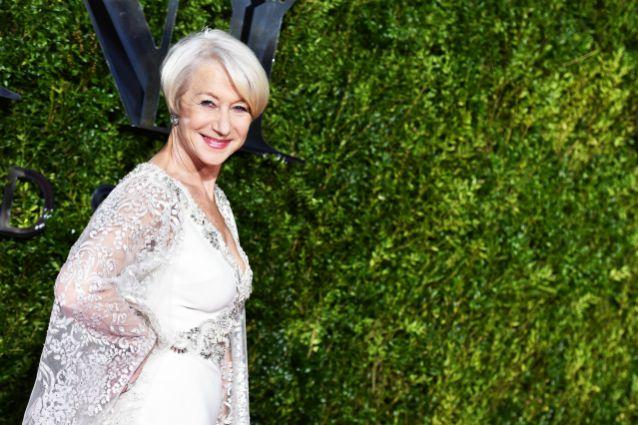 """Helen Mirren compie 70 anni: """"Ma quale regina di Hollywood, sono una contadina salentina"""""""