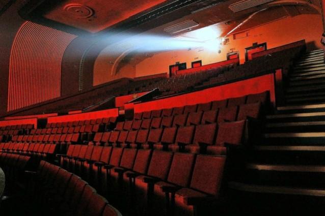 La crisi del cinema si arresta, nel 2015 italiani nelle sale sono in crescita