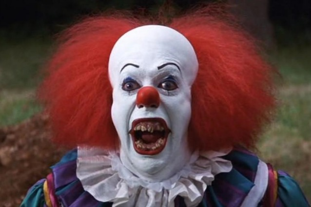 "Si gira il remake di ""It"": il clown assassino di Stephen King torna a far paura"