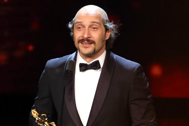 """Claudio Santamaria pelato ai David di Donatello 2016: """"È per il film Brutti e cattivi"""""""