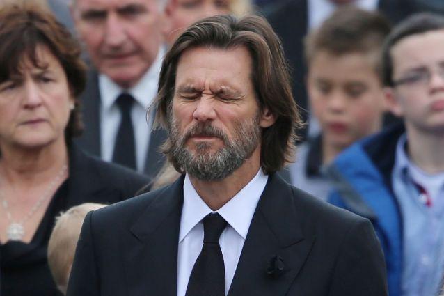 """Pubblicata la lettera di addio di Cathriona White, Jim Carrey furioso: """"Vergogna!"""""""