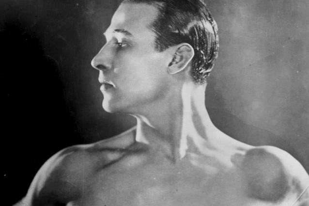Rodolfo Valentino moriva 90 anni fa, l'icona in 5 punti essenziali