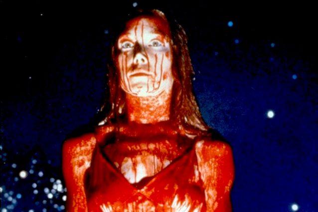"""Carrie – Lo sguardo di Satana"": l'horror di Brian De Palma usciva 40 anni fa"