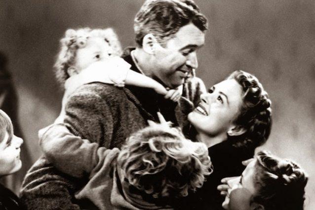 """""""La vita è meravigliosa"""" di Frank Capra compie 70 anni e continua a farci sognare"""
