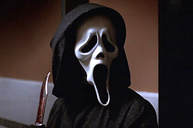"""Scream"", l'horror cult di Wes Craven compie 20 anni"