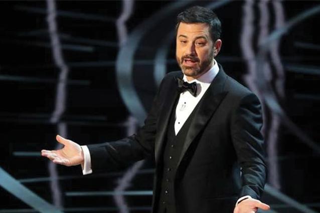 """Jimmy Kimmel, il presentatore degli Oscar rivela: """"È stato il finale più strano dai tempi di Lost"""""""