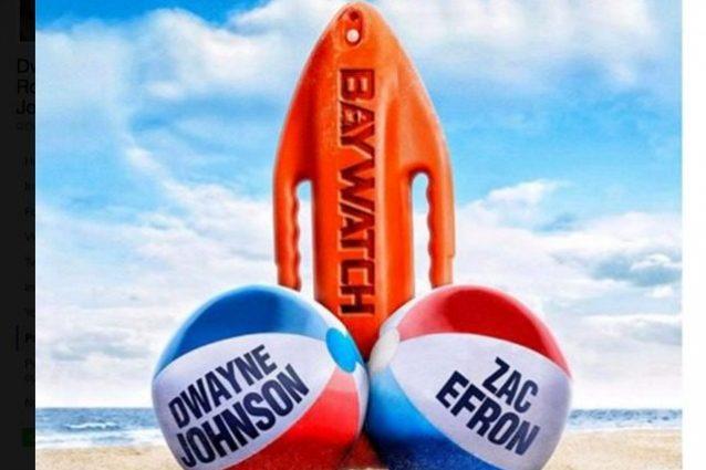 """Il poster hot di Baywatch, Dwayne Johnson scherza: """"La mia palla più grande di Zac Efron"""""""