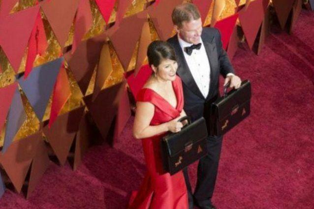 Gaffe agli Oscar, cacciata la coppia di responsabili dell'errore