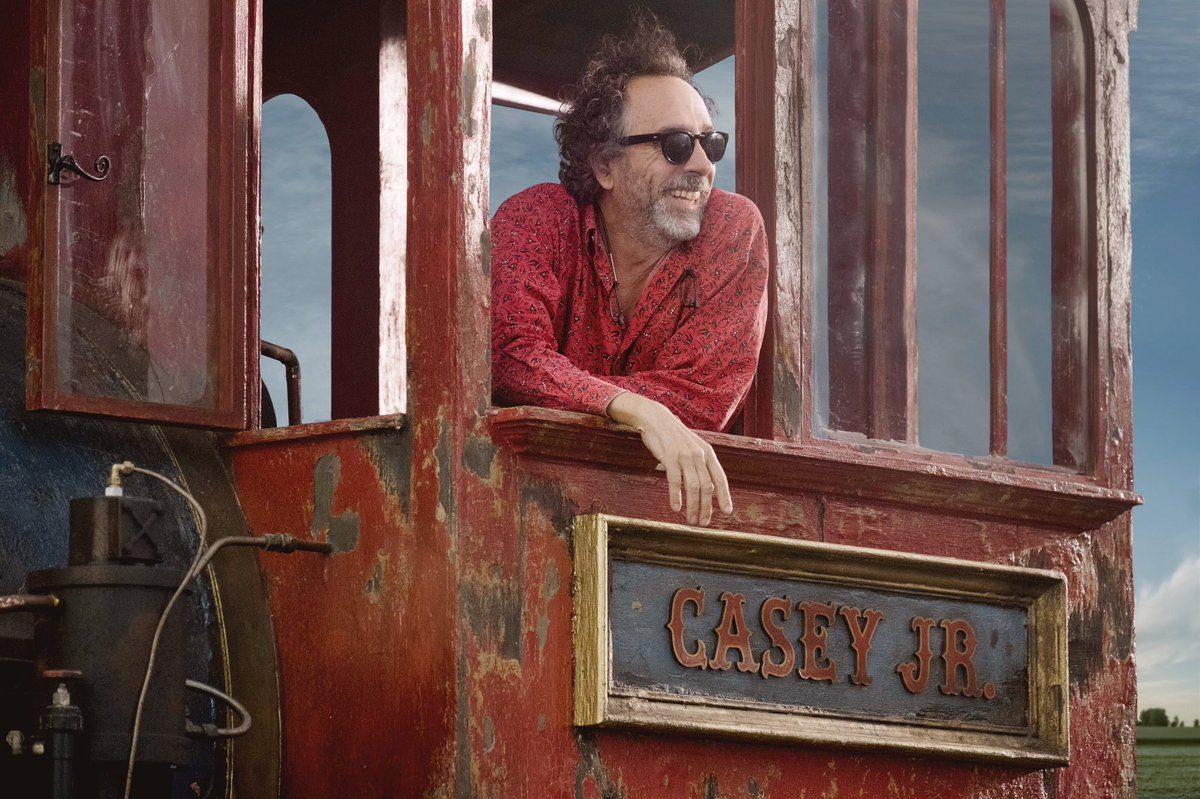 La prima foto di Tim Burton sul set