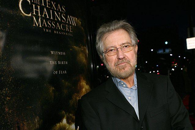 """Addio a Tobe Hooper, genio dell'horror e regista di """"Non aprite quella porta"""""""