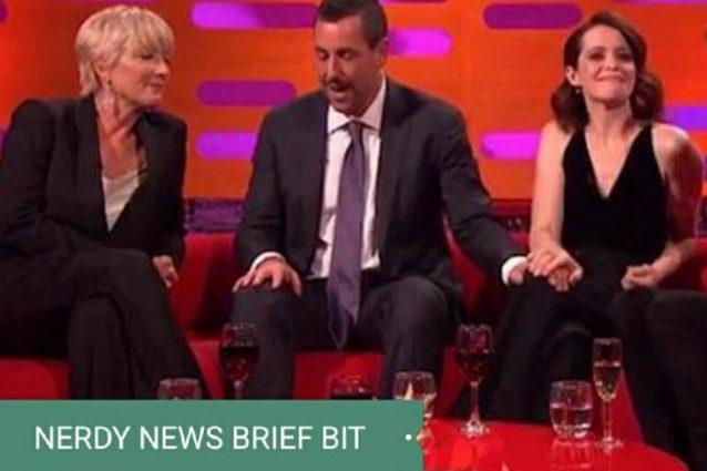 Bufera su Adam Sandler, la mano sul ginocchio di Claire Foy è considerata gesto sessista