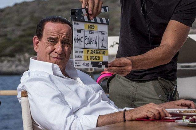 """Toni Servillo è Silvio Berlusconi in """"Loro"""", la prima immagine del film di Sorrentino"""