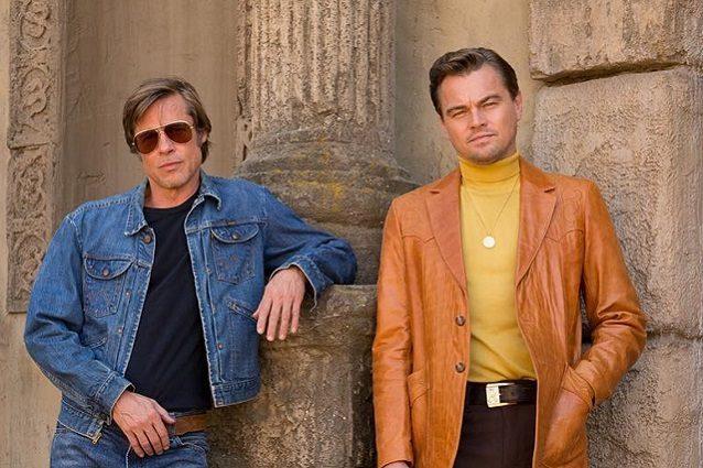 Leonardo DiCaprio e Brad Pitt insieme sul set: prima foto ufficiale