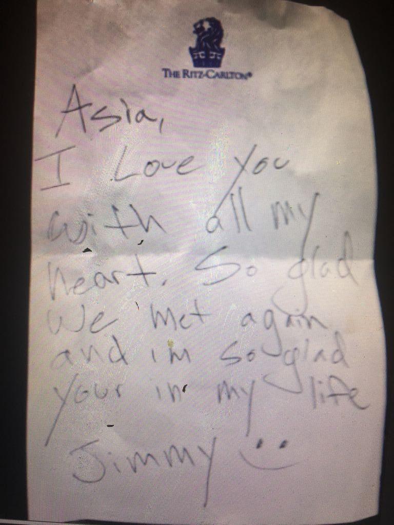 Il biglietto scritto da Jimmy Bennett ad Asia Argento dopo il loro incontro