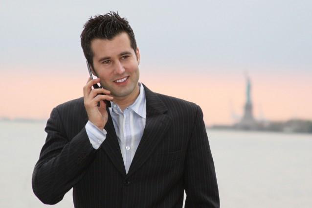 Detraibilità IVA cellulari e deducibilità costi telefono