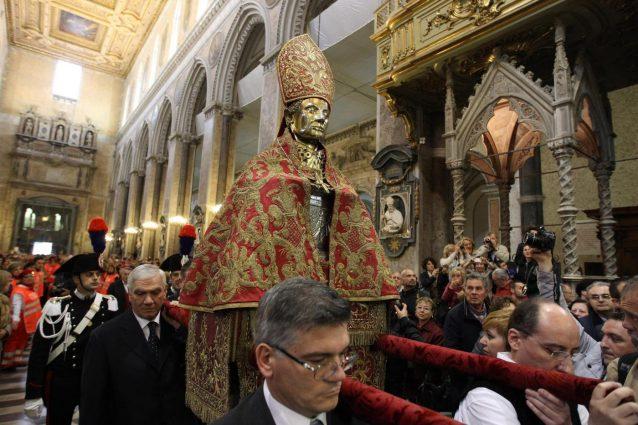 Santo Patrono: come funziona la retribuzione della festività in busta paga