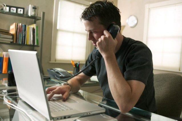Rimborso spese cellulare ai dipendenti: quando si applica la tassazione Irpef