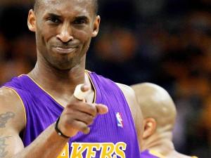 """Kobe Bryant supera Michael Jordan ed incorona il suo erede: """"È come vedersi in uno specchio che riflette me stesso da giovane"""""""