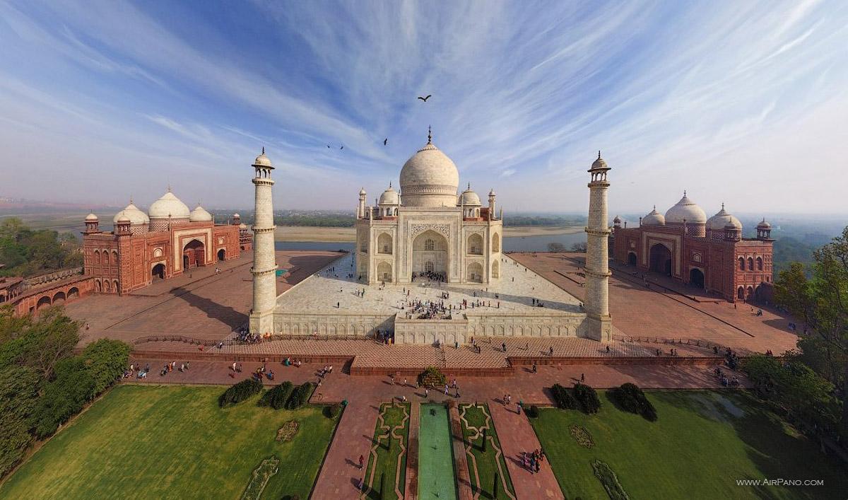Il maestoso Tajh Mahal