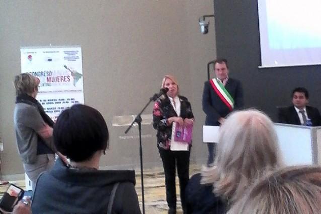 """""""Donne che ce l'hanno fatta"""": la giornalista Marta Ajò premiata"""
