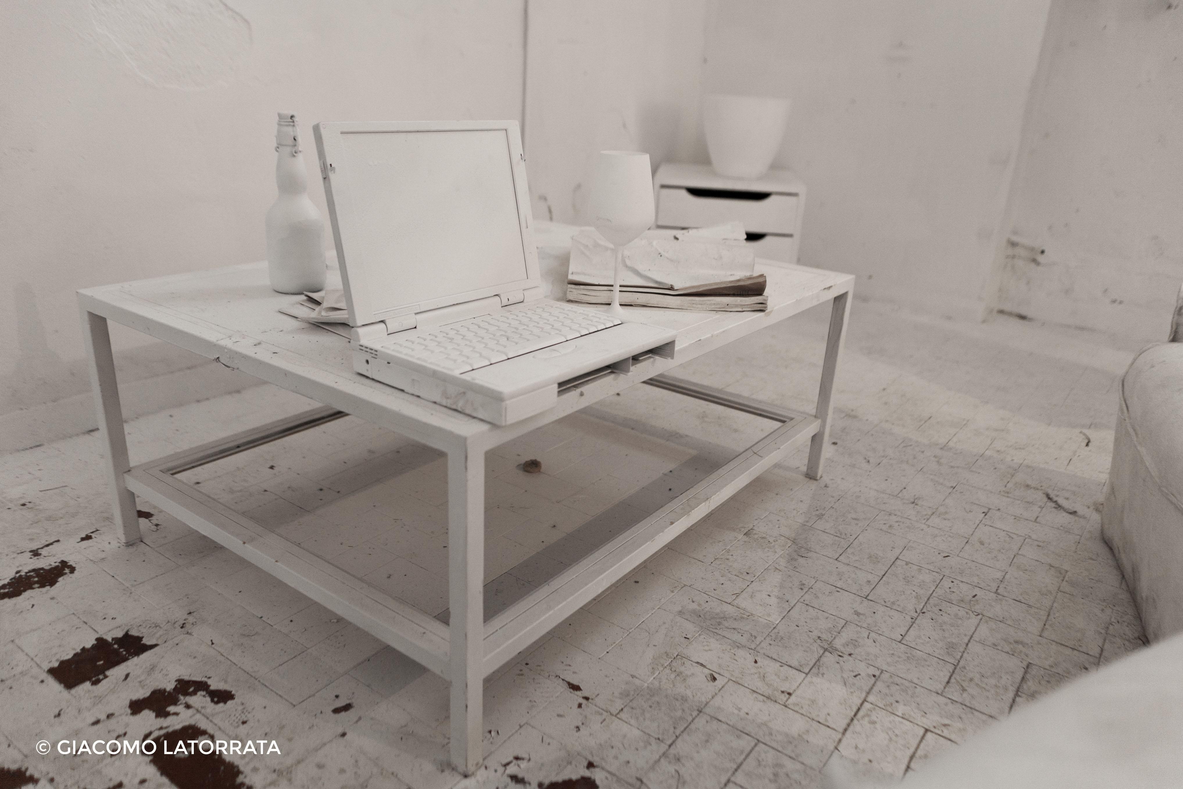 Tellas – Wunderkammer Gallery © Giacomo Latorrata
