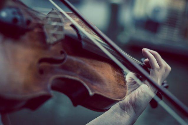 """Dolenti note: la musica classica e l'arrogante dominio degli """"intenditori"""""""