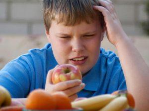 Prevenire l'obesità infantile con la dieta mediterranea