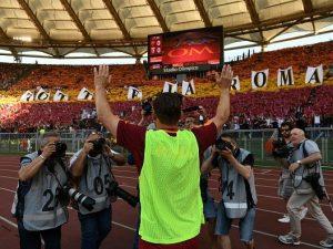 Francesco Totti spiegato a Pietro Pellegri
