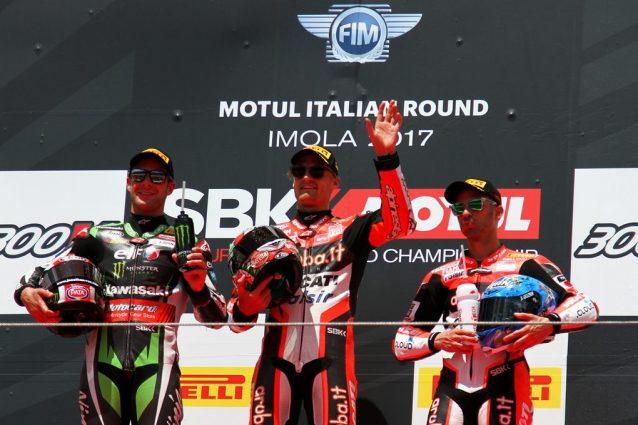 La Superbike ad Imola nel segno del rosso: Chaz Davies si aggiudica Superpole e Gara 1