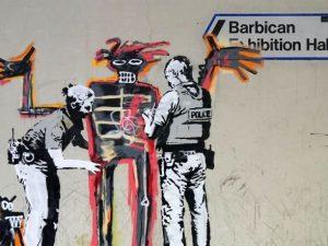 Londra, Banksy omaggia Basquiat con due nuovi graffiti